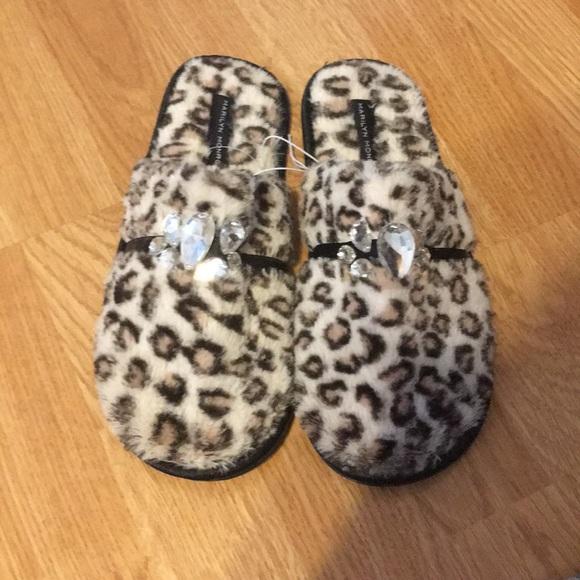 52e2d9fd6 Marilyn Monroe cheetah slippers. NWT. M_5ab7c6c59d20f0ae98a70b66.  M_5ab7c6cf3800c523b1ea23d0. M_5ab7c6d750687c8fa7620f41.  M_5ab7c6e28df47081f091712d